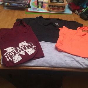 Bundle of 4 exercise tank tops size extra larges